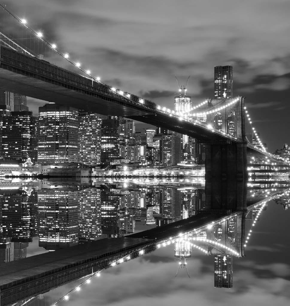 Готовые черно белые фотообои с городом
